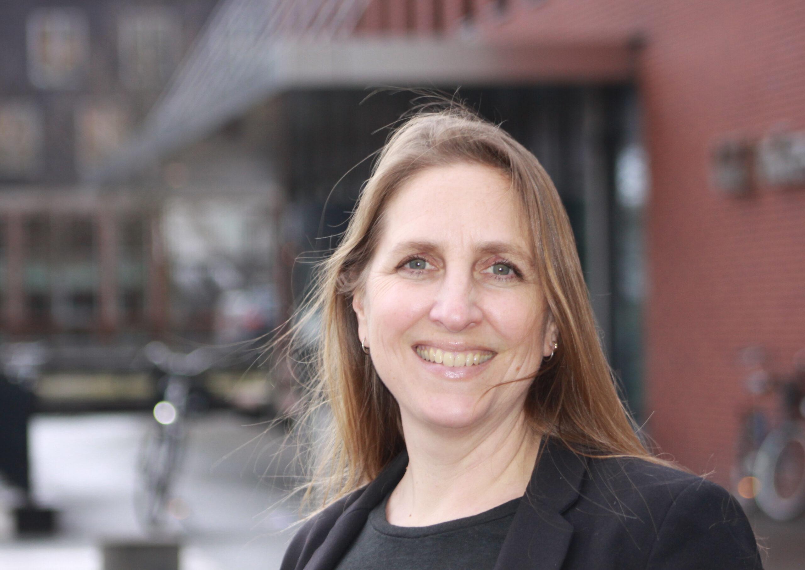 Drs. Nina Roosenschoon
